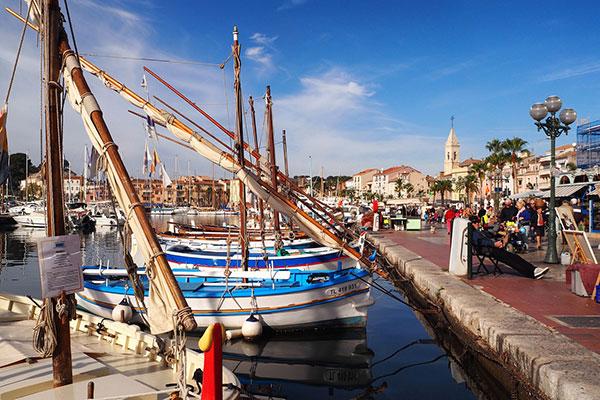Port de Sanary et ses pointus