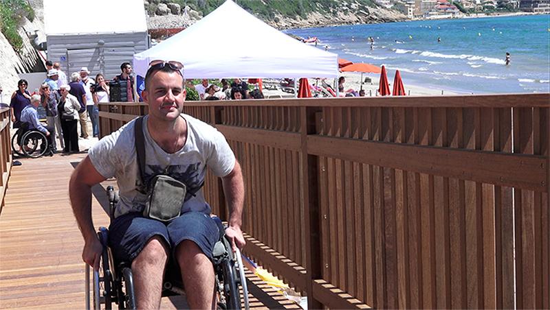 Sanary-sur-Mer, la plage du Lido enfin accessible aux personnes handicapées