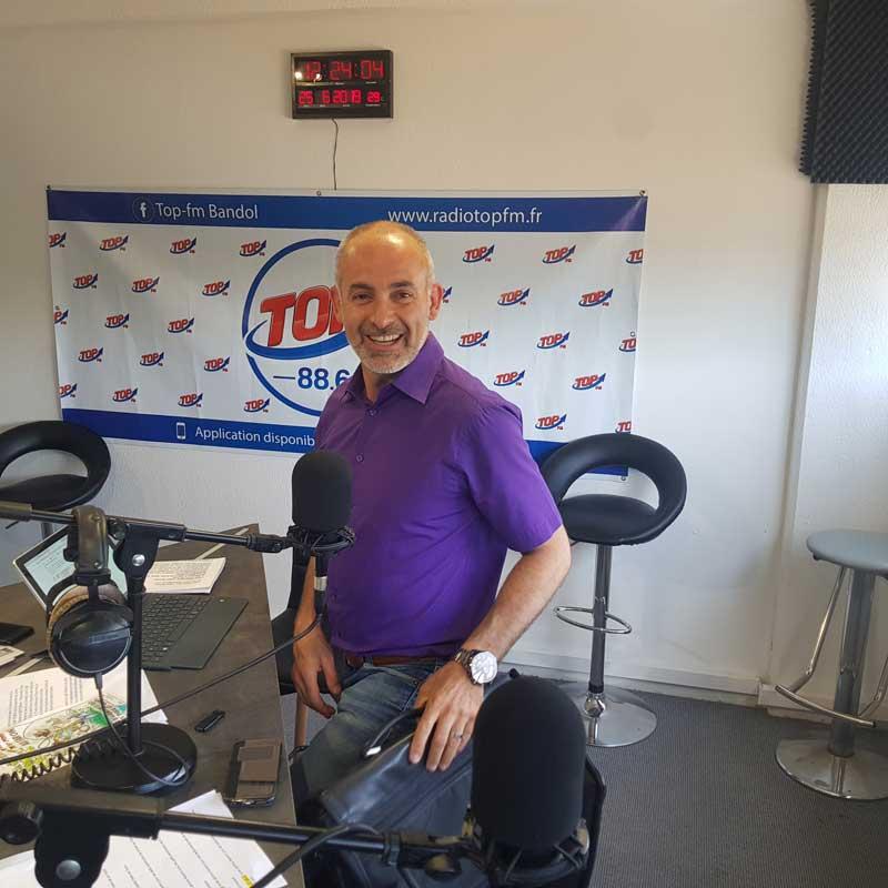 INFO83 rencontres avec Jean Sébastien Vialatte maire de Six Fours pour la fête du vélo et avec Jérôme Navarro (photo) à l'occasion de vivement dimanche au Faron - Top le Mag INFO 83 Radio Top FM