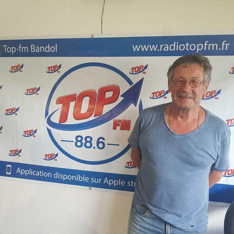 INFO83 et TOP FM reçoivent Jacques Serre et Michel Beltramone des Kiwanis de Bandol et Toulon à l'occasion du salon nautique de Bandol 2019. INFO83 TOP FM Le Mag