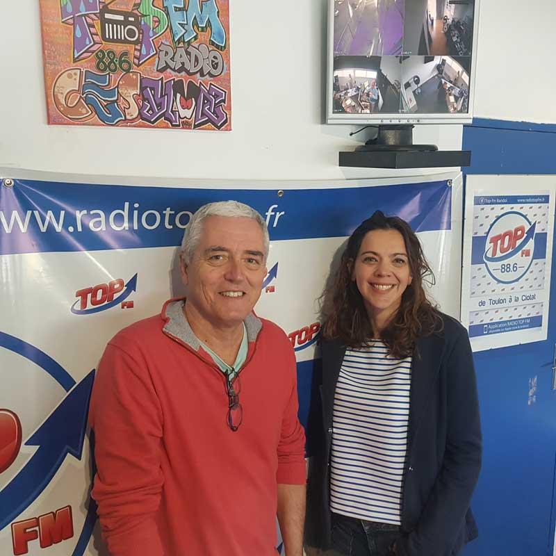 INFo 83 et TOP FM reçoivent Laurie Courtois et Serge Loigne pour les festivités des fêtes de fin d'année à Sanary. Top le Mag INFO83 et Top FM