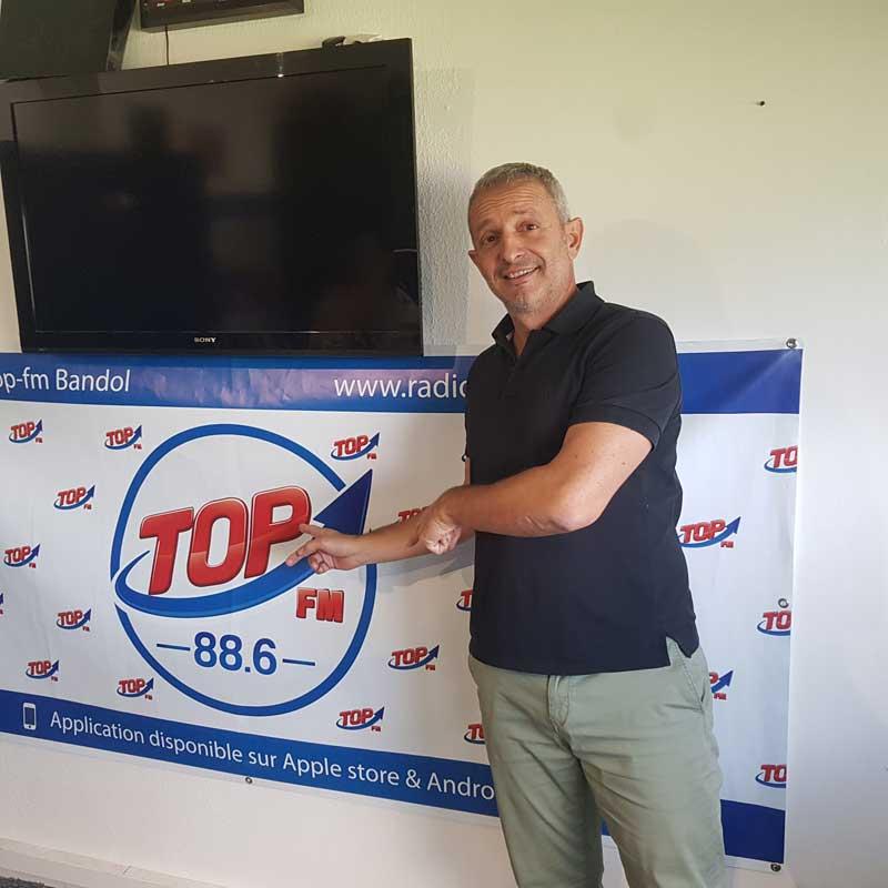 INFo 83 et TOP FM interviewent l'humoriste Bruno Salomone et reçoivent Rémi Tagliafico de Tag'N Sport et Tag'N Event. Radio Top FM et INFO83