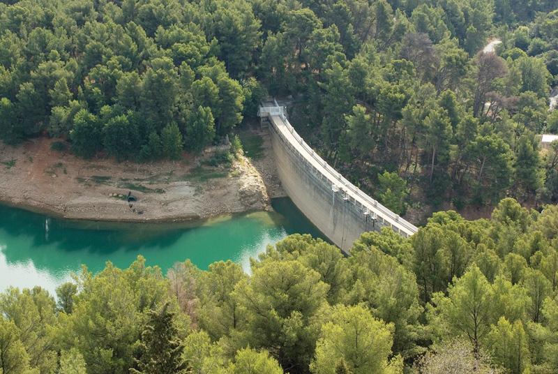 Travaux d'aménagement du barrage de Dardennes au Revest