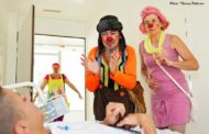 Bises de clowns : un moment d'évasion pour les personnes fragilisées